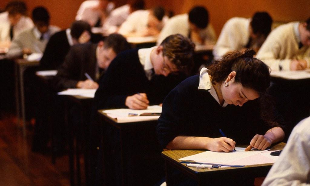 Какие экзамены в форме ерэ будут сдавать в 2018 г выпускники 9 классов