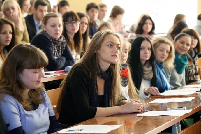 две студентки для получения зачёта